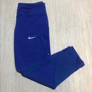 Medium Nike Capri legging